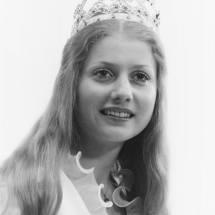 1976-77 Anne Grimm