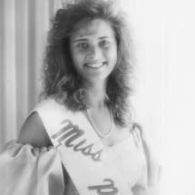 1988-89 Adrianne Holick