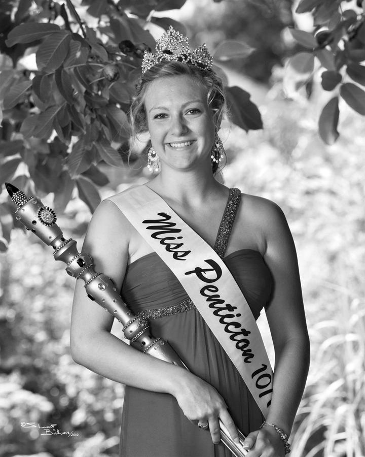 2010-11-Danielle Chetner - Stuart Bish Photography